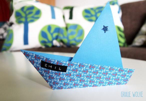Kinder malen und basteln » Tag » Gefaltetes Schiff als Origami. | 405x584